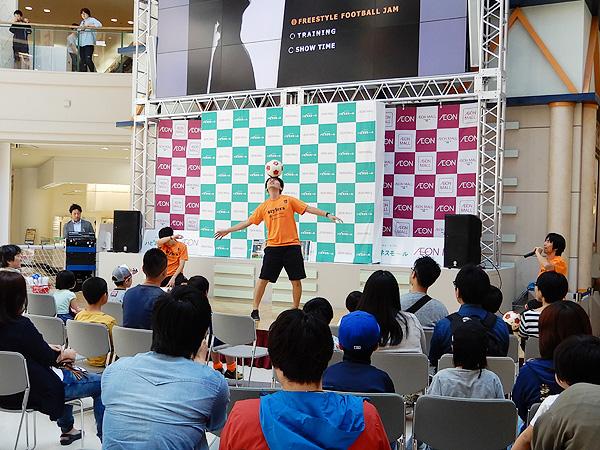 イオンモール秋田 フリースタイルフットボールパフォーマンス