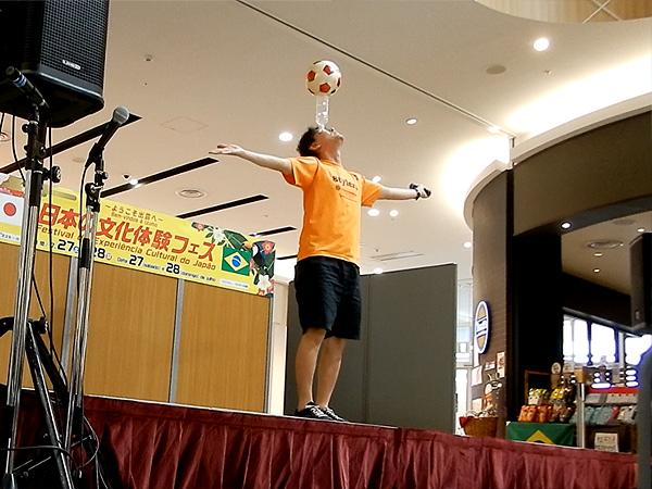 イオンモール出雲 日本の文化体験フェア フリースタイルフットボールパフォーマンス